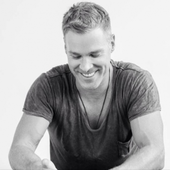 Episode #04: Andrew Eggleton | TV Presenter, Intuitive Coach, Game Changer